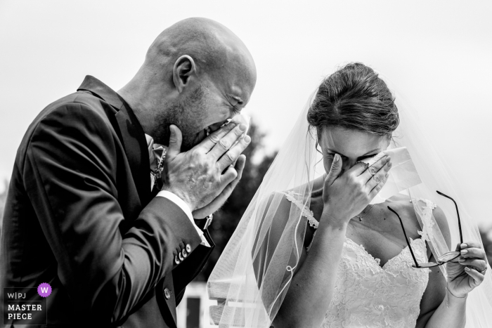 Germany	wedding reportage photographer | Hesse Couple Overcome by Emotions at the Wedding