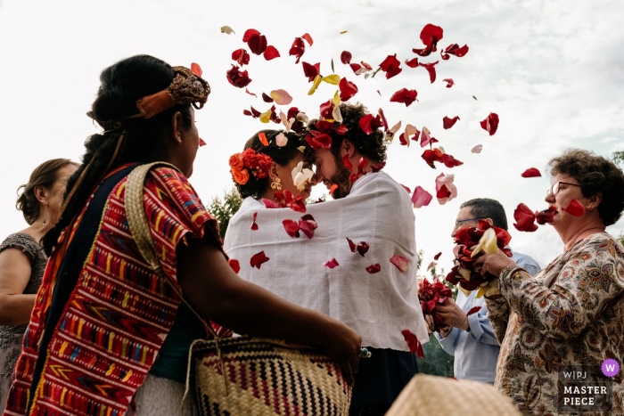 Piedra Azul, Santa Maria del Tule, Oaxaca wedding pictures from the end of the Zapotec ceremony