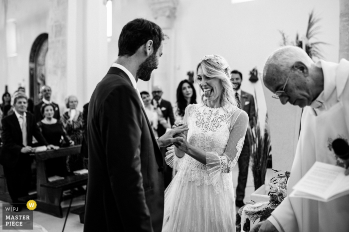 Apulia wedding photographer: Ceremony in the Church - the bride won, finally he is her husband