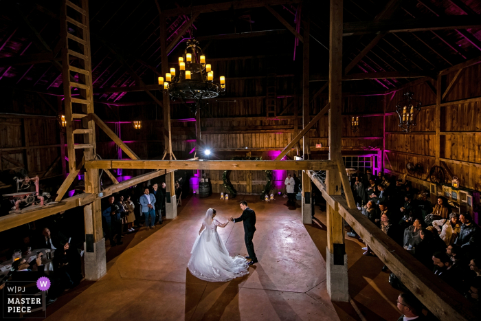 Mora Farm reception photography from the wedding venue | first dance