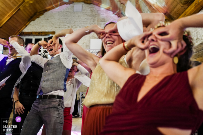 Wedding photography from Saint Valérien, FRANCE | Funny speeches by friends