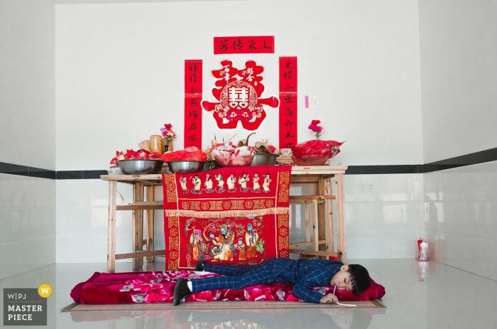 FuJian QuanZhou actual day wedding photography: kid will be kid