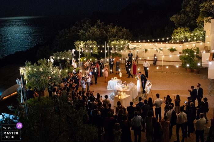Maratea Hotel Villa del Mare Wedding Venue Photos | Bride and groom before cutting of the cake