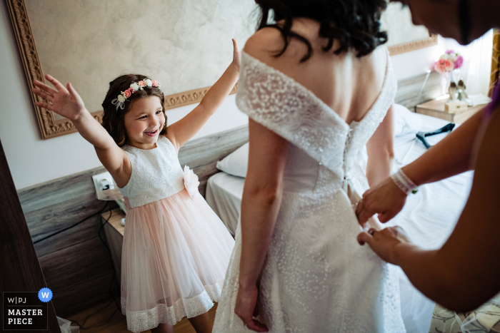 wedding photo from Bulgaria at the Hotel Akord, Sofia of the Bride getting ready