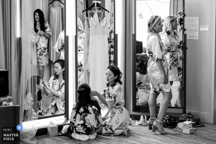 Black and white wedding image of the bridesmaids getting ready at the Intercontinental Hotel in San Diego