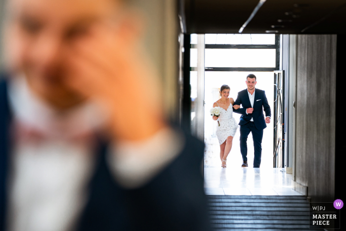 Wedding ceremony photography from Rembouillet France of the bride Making an entrance
