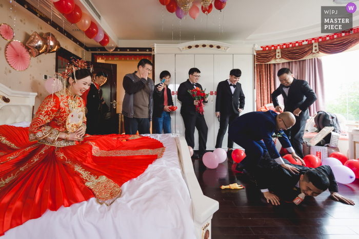China wedding photo from a Fujian Home event as They are playing