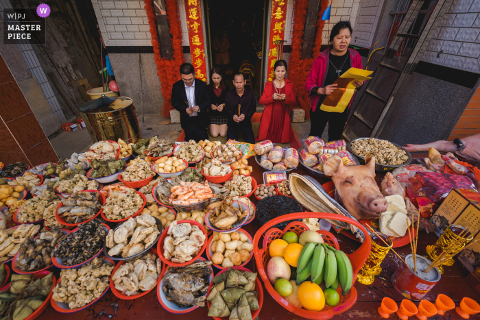 China food feast wedding photo from Fujian as they Pray for the wedding