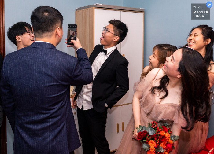Wedding photo from China showing the moment of giving rings is the happiest moment