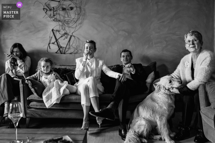 A wedding photographer in Vinsobres, France created this black and white image ofEmotional moments in family