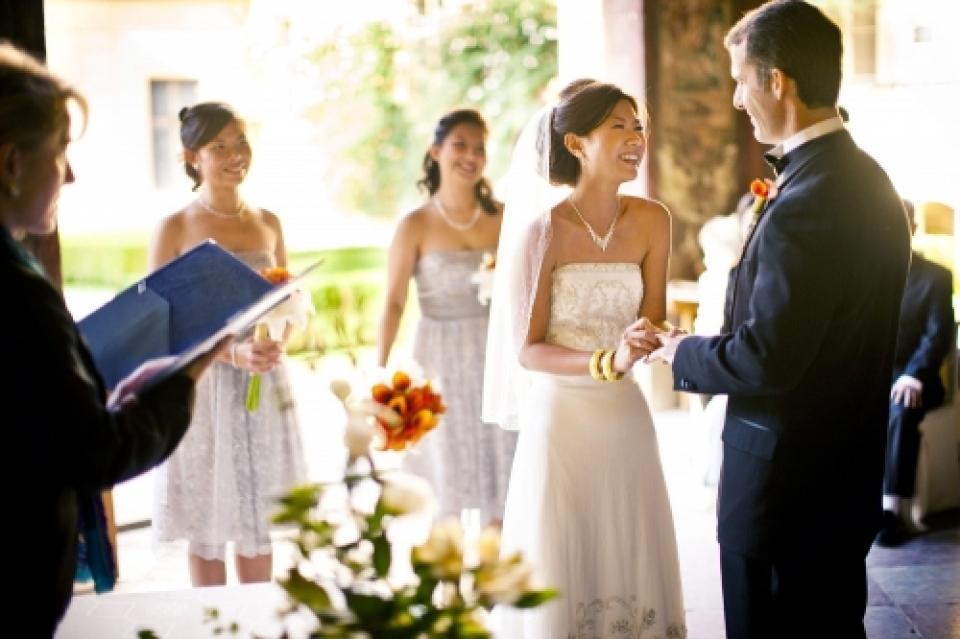 Vrtbovska zahrada, Praag, Tsjechië, Europa huwelijksceremonie ring uitwisseling fotografie