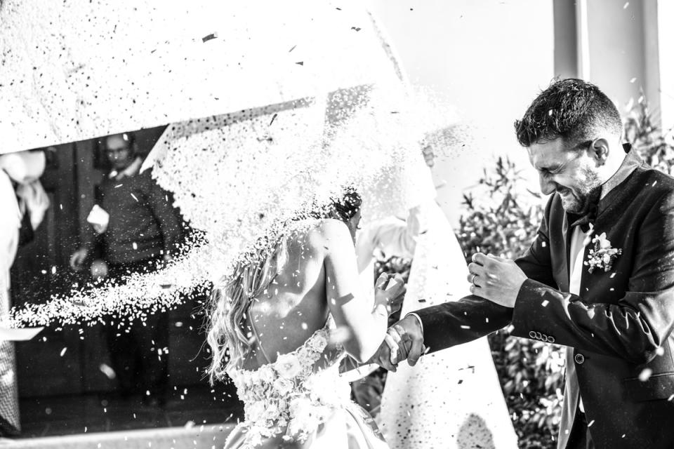Cesenatico, Forlì-Cesena, Italie - Lancer de riz - image de la mariée et du marié