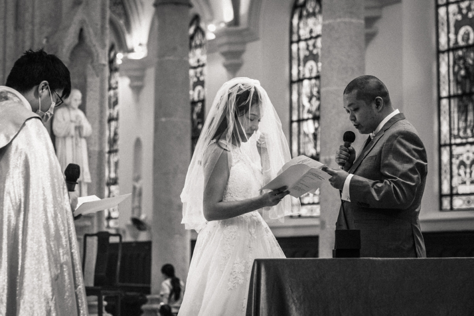 Cathedral of the Immaculate Conception, Hong Kong wedding ceremony image of bride and groom