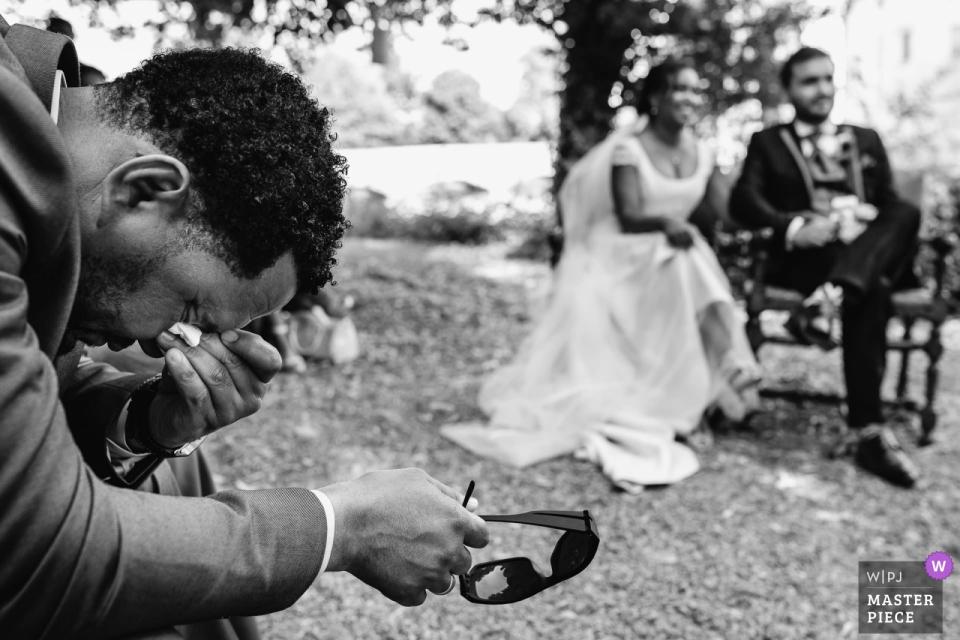 Emotional ceremony photography - Château du Plessis Bourré