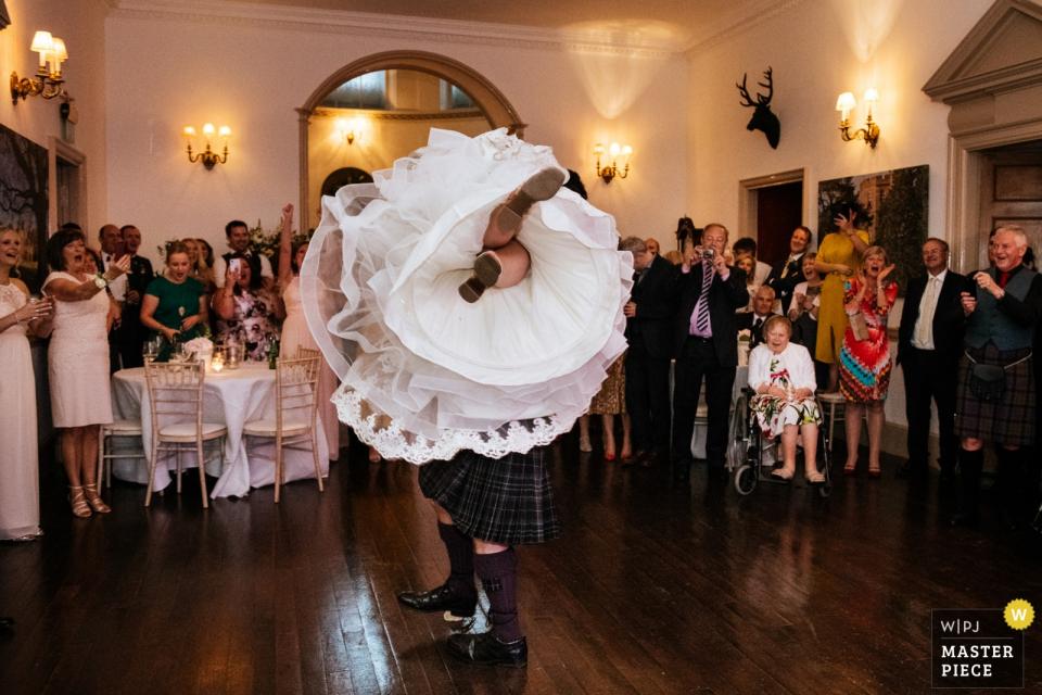 Lukas Powroziewicz aus Midlothian ist Hochzeitsfotograf für Fasque Castle in Fettercairn