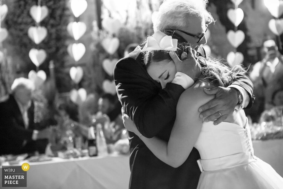 Veria - fotografia ślubna Lozitsi - emocjonowanie podczas tańca