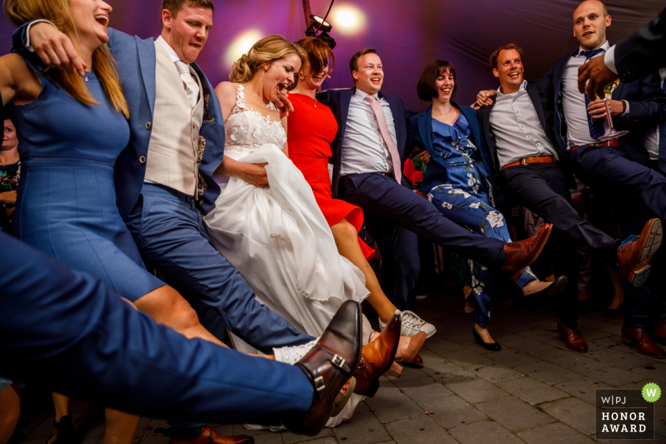 Delden - Hoeve de Haer, wedding venue picture | Bride Dancing with friends