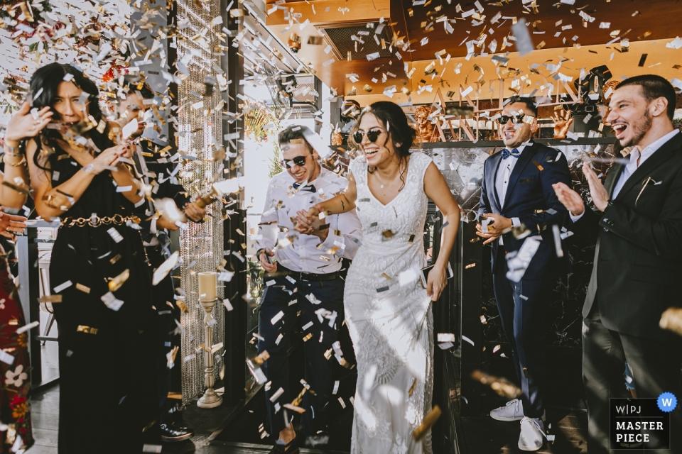 The Galata Hotel Istanbul Turkije bruiloft fotojournalistiek - Eerste stap naar het feestterrein