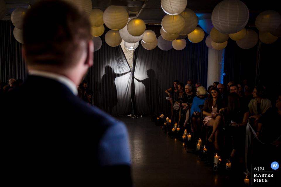 Room 1520, Chicago, IL Photographe de mariage | Image créée avant l'entrée de la mariée dans la pièce
