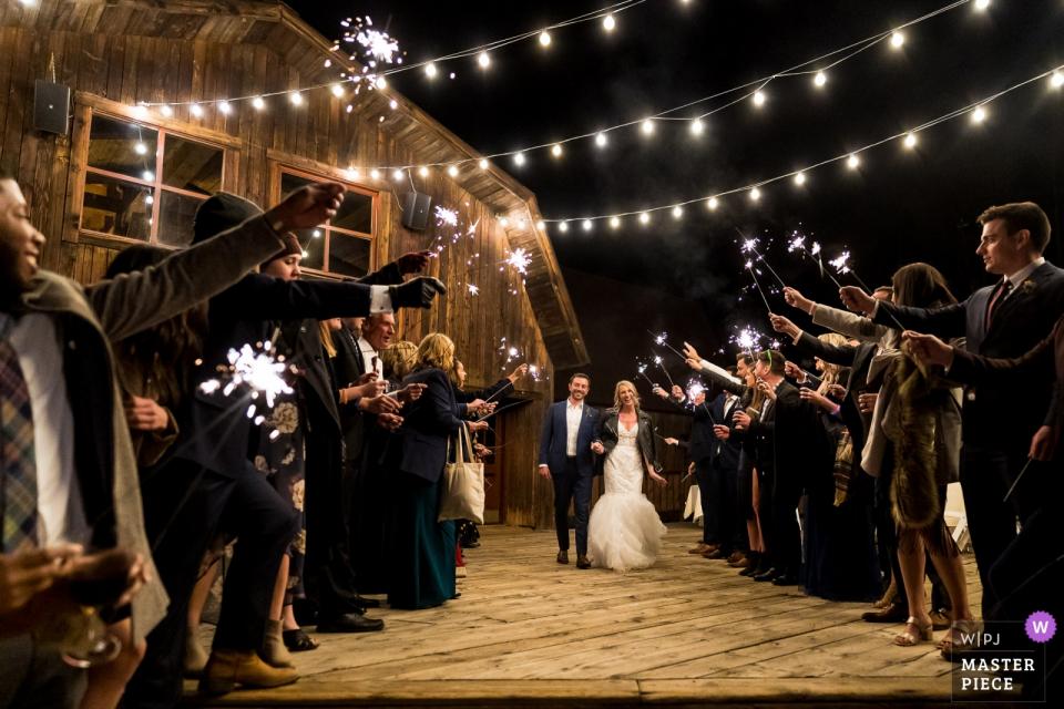 特柳赖德峰度假酒店的婚礼场地照片| CO接待处的烟火出口
