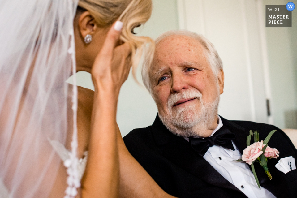 Whitby Castle Westchester, New York wedding venue photography | dad and daughter cry before wedding