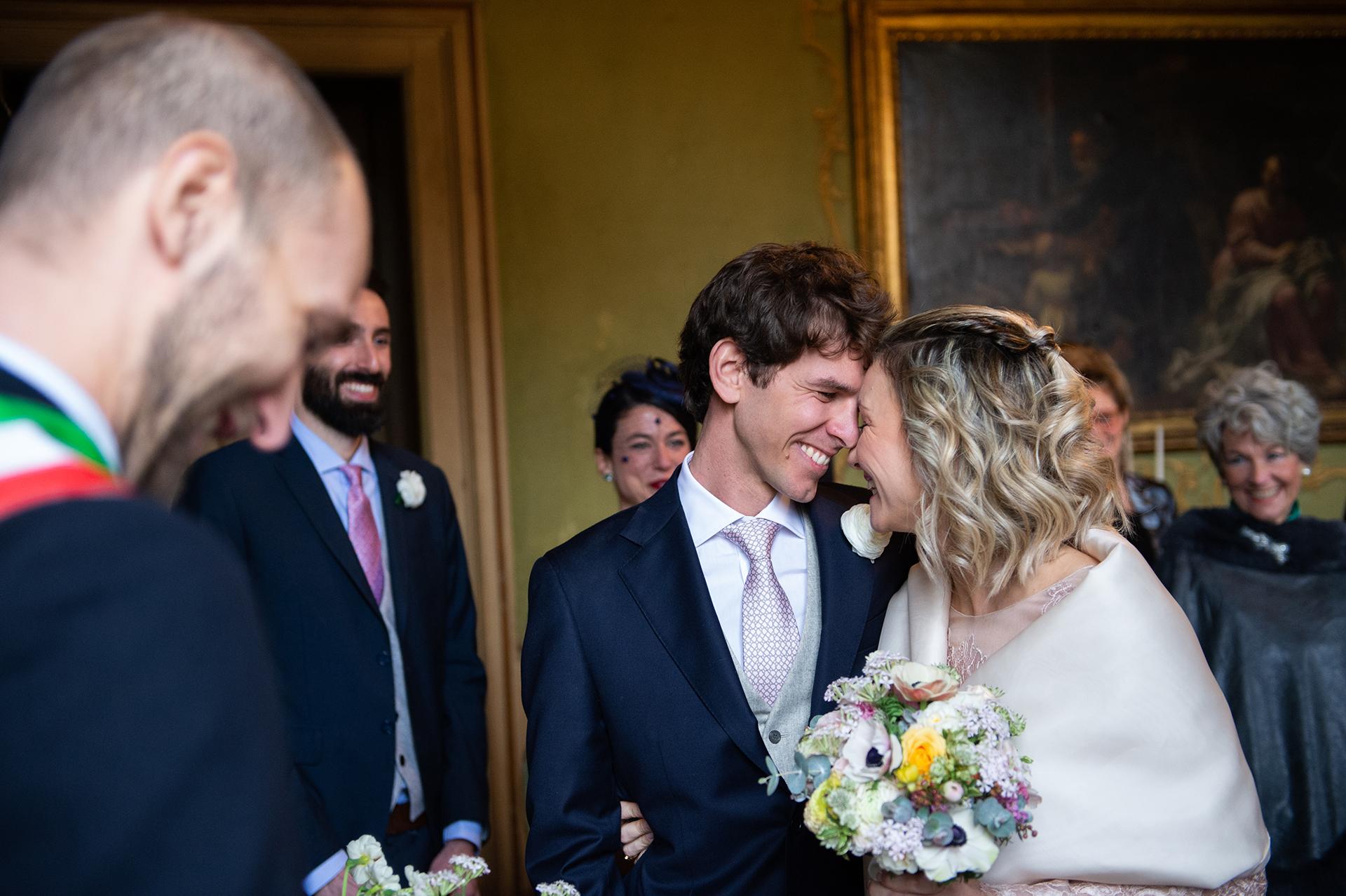 quelques secondes avant Oui à l'Italie, la Lombardie, la cérémonie de mariage de Pavie elopement