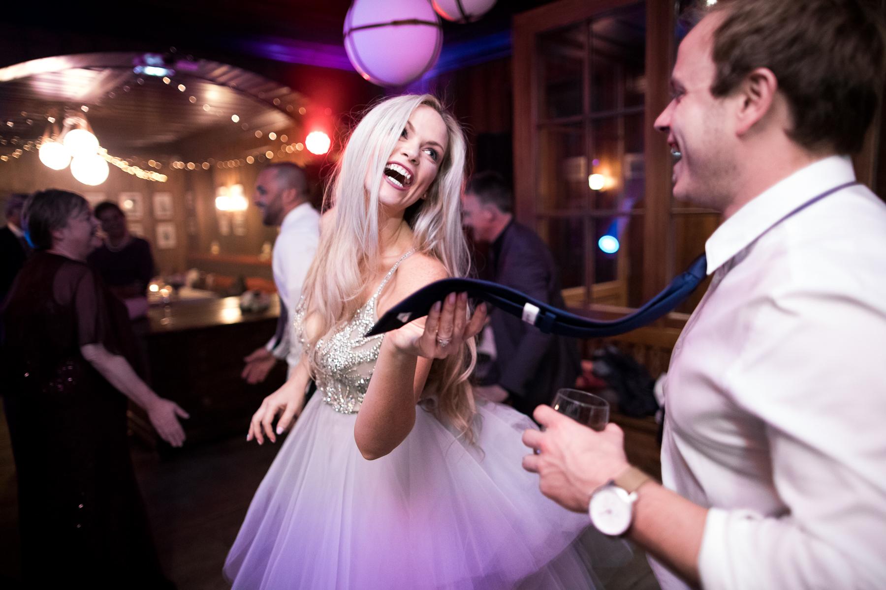 Chamonix-Mont-Blanc, France   Soirée dansante pour le couple en fuite