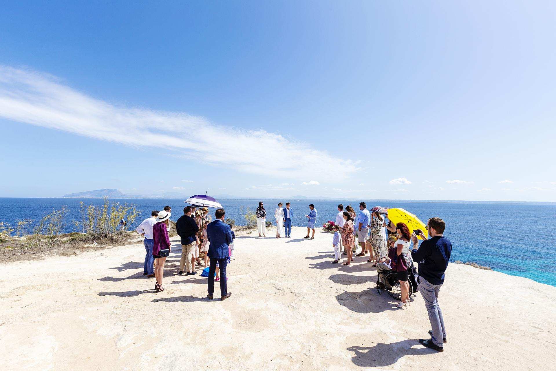 Cala Bue Marino Elopement op Sicilië | Foto - Intieme bruiloft in Favignana. Onder de hete zon van Sicilië
