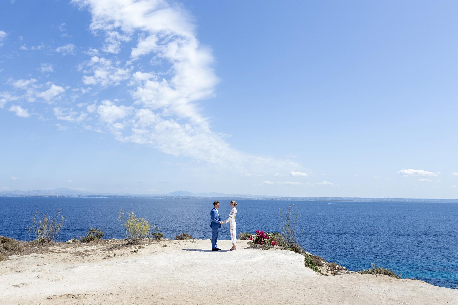 Elopement à Cala Bue Marino, Favignana Island, Sicile