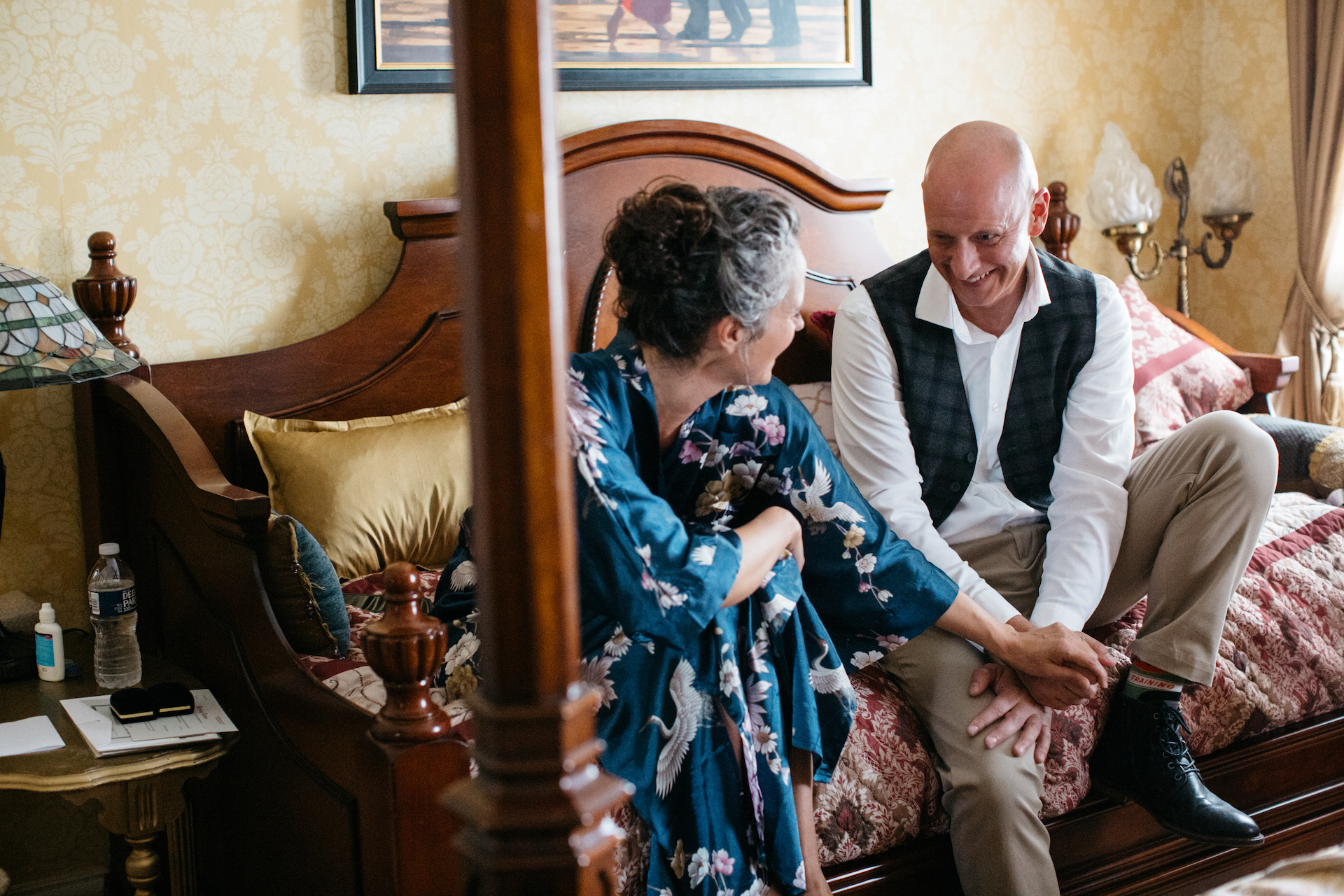 Elopement Images from Manayunk Chambers Guest House in Philadelphia | The couple spent some time together