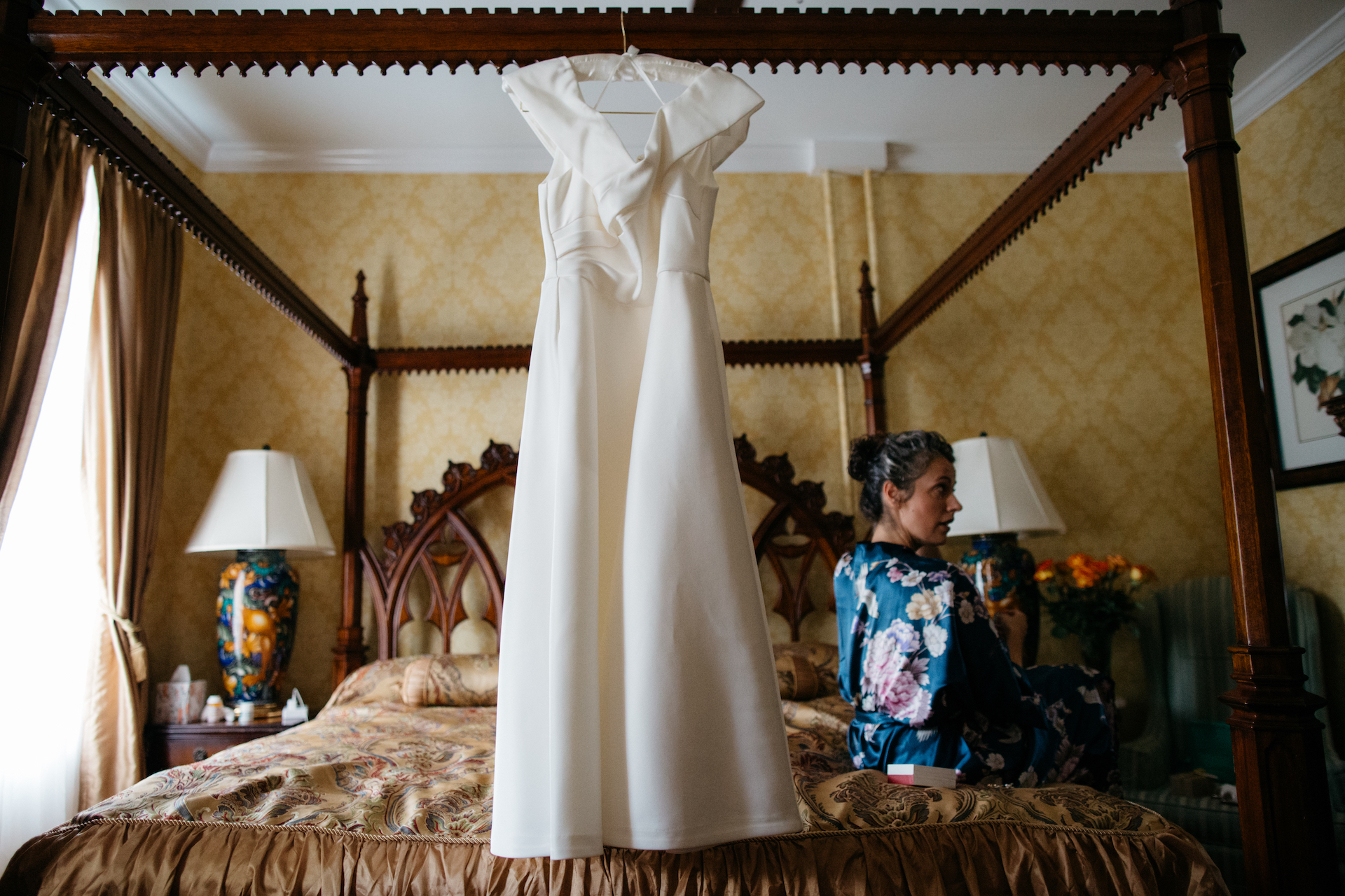 Elopement at Manayunk Chambers Guest House - Philadelphia  | image of the bride getting ready