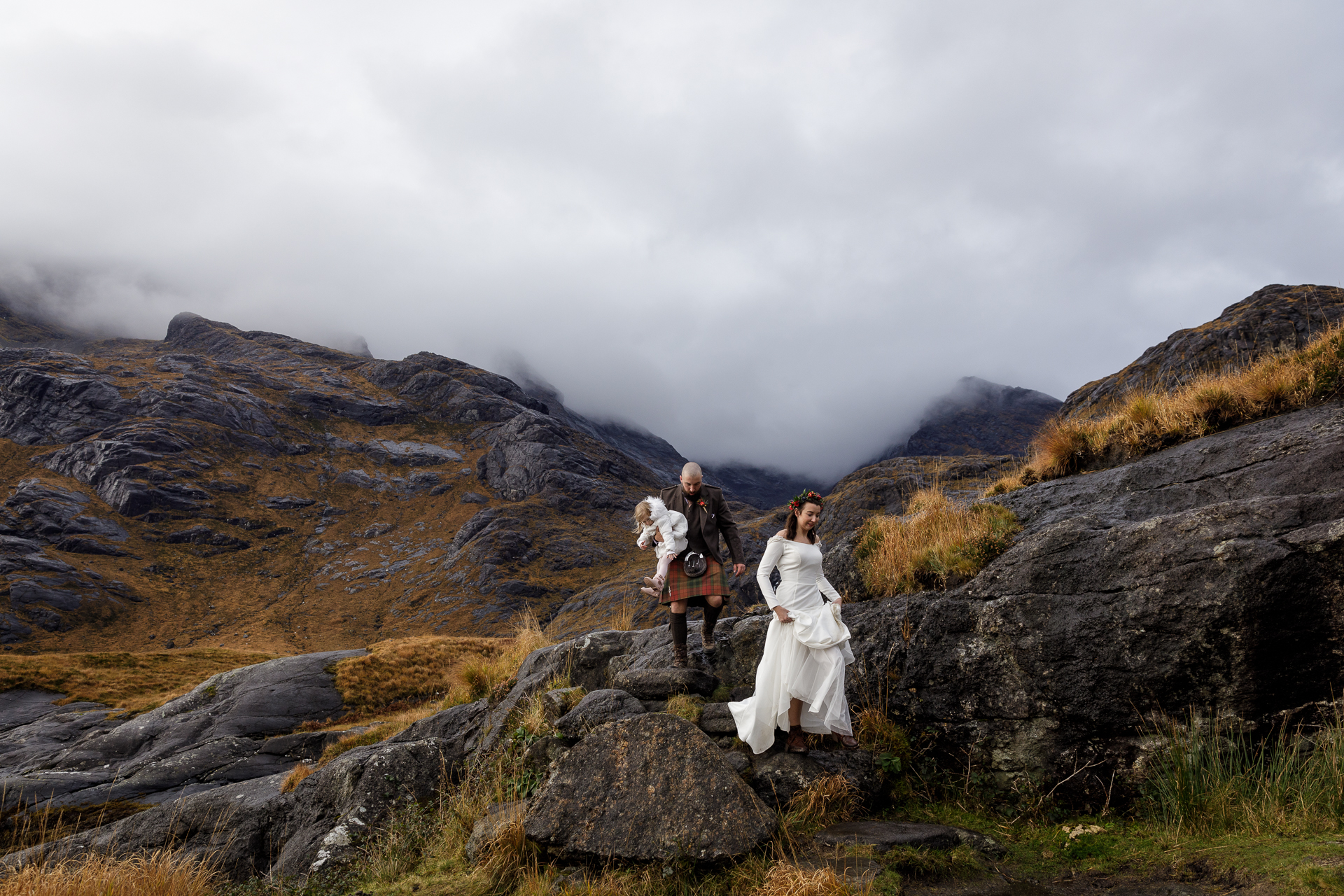 Isle of Skye Elopement Photo | there is a ten to fifteen minute trek to the famous Loch Courisk