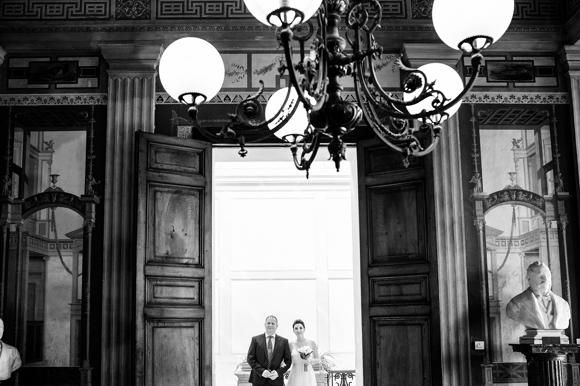 Trapani Town Hall in Sicily Elopement Photography | the wedding reportage begins with the ceremony