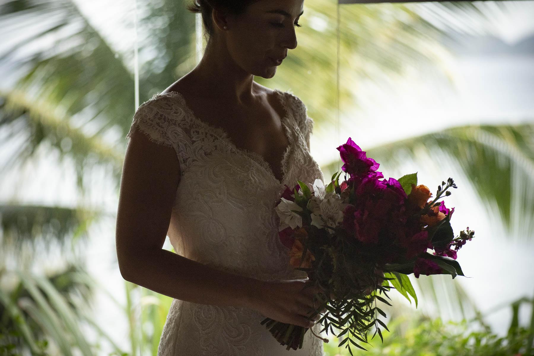 Búzios - Brazil Elopement Bride Photography | La mariée soupire quand elle sait que dans un instant elle sera avec son amour lors de la cérémonie