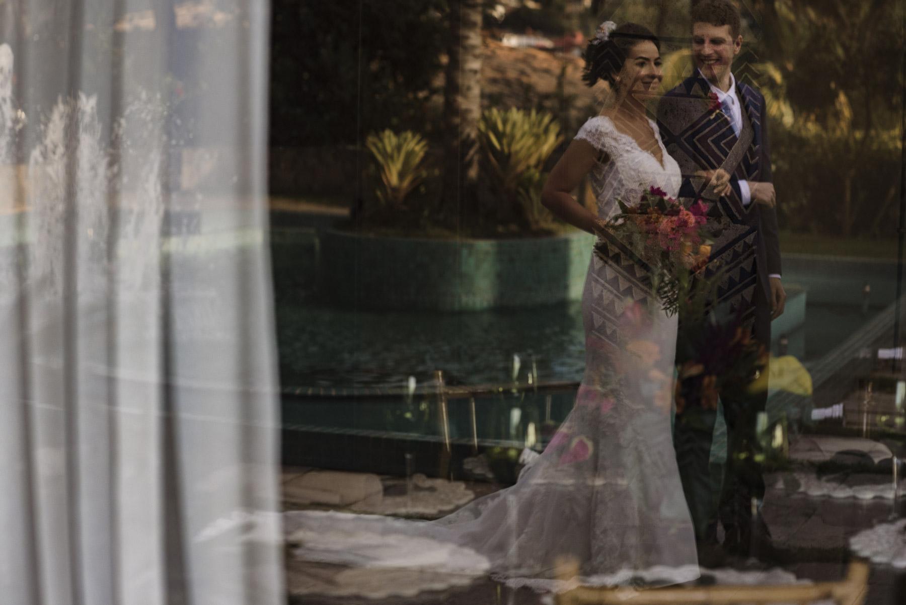 Rio de Janeiro - Image de la cérémonie de mariage au Brésil Ensemble, ils marchent vers la cérémonie de mariage