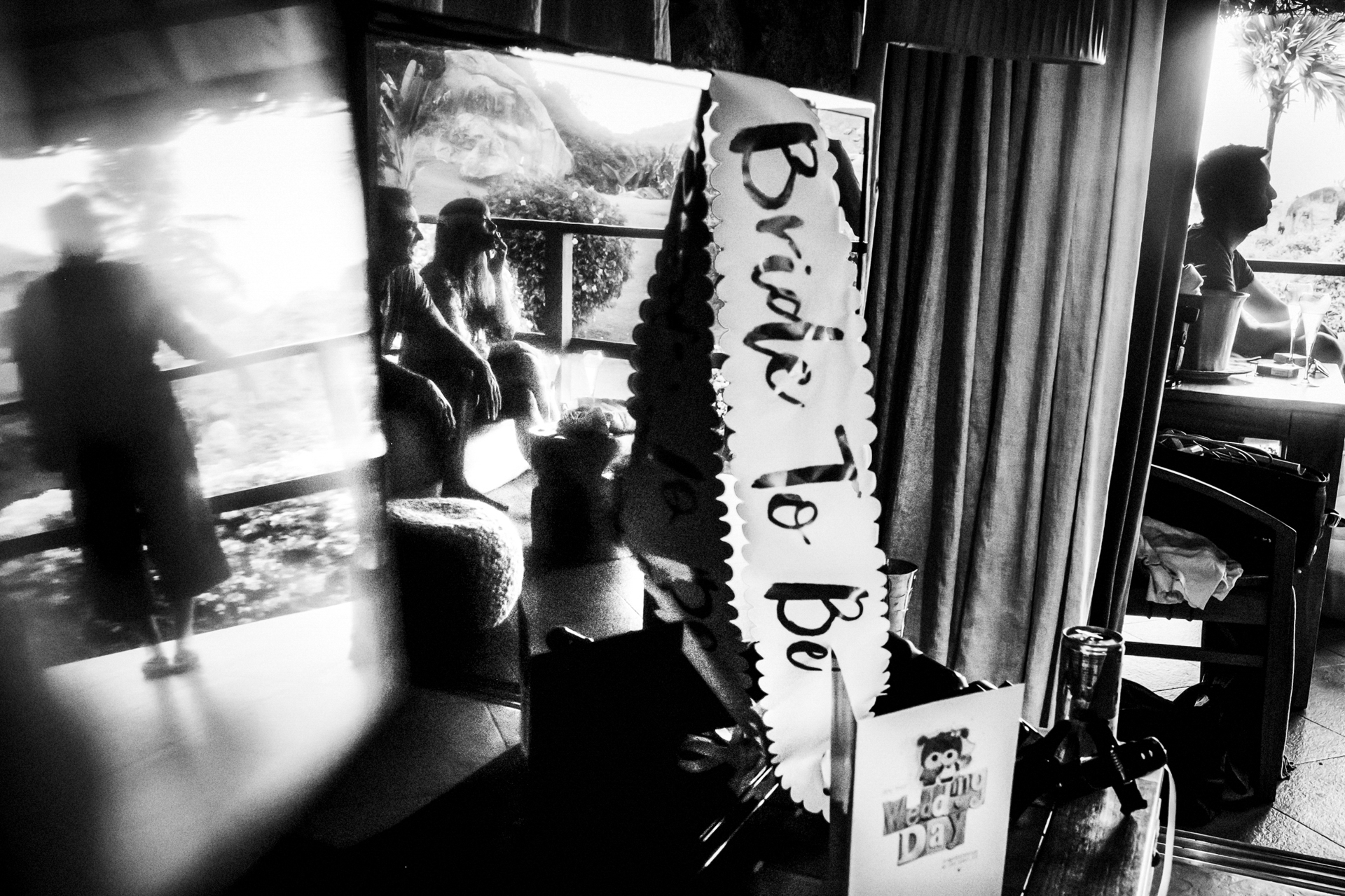 Seychelles Islands Wedding Photo | As they couple eloped, the bride brought some memorabilia with them