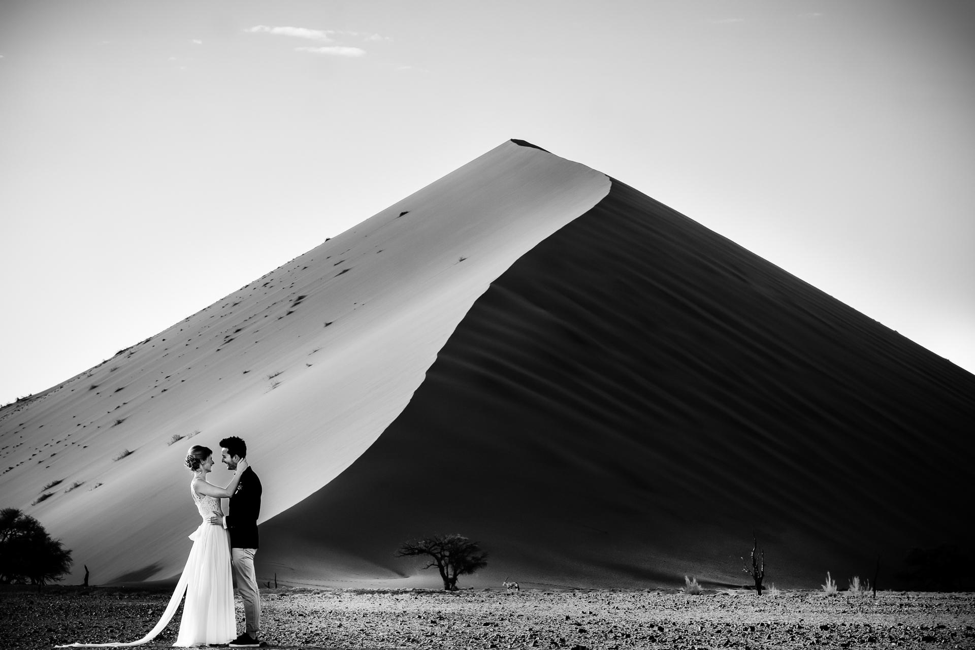 Namib Desert - Namibia Elopement Portrait | the nature reserve's majestic sand dunes