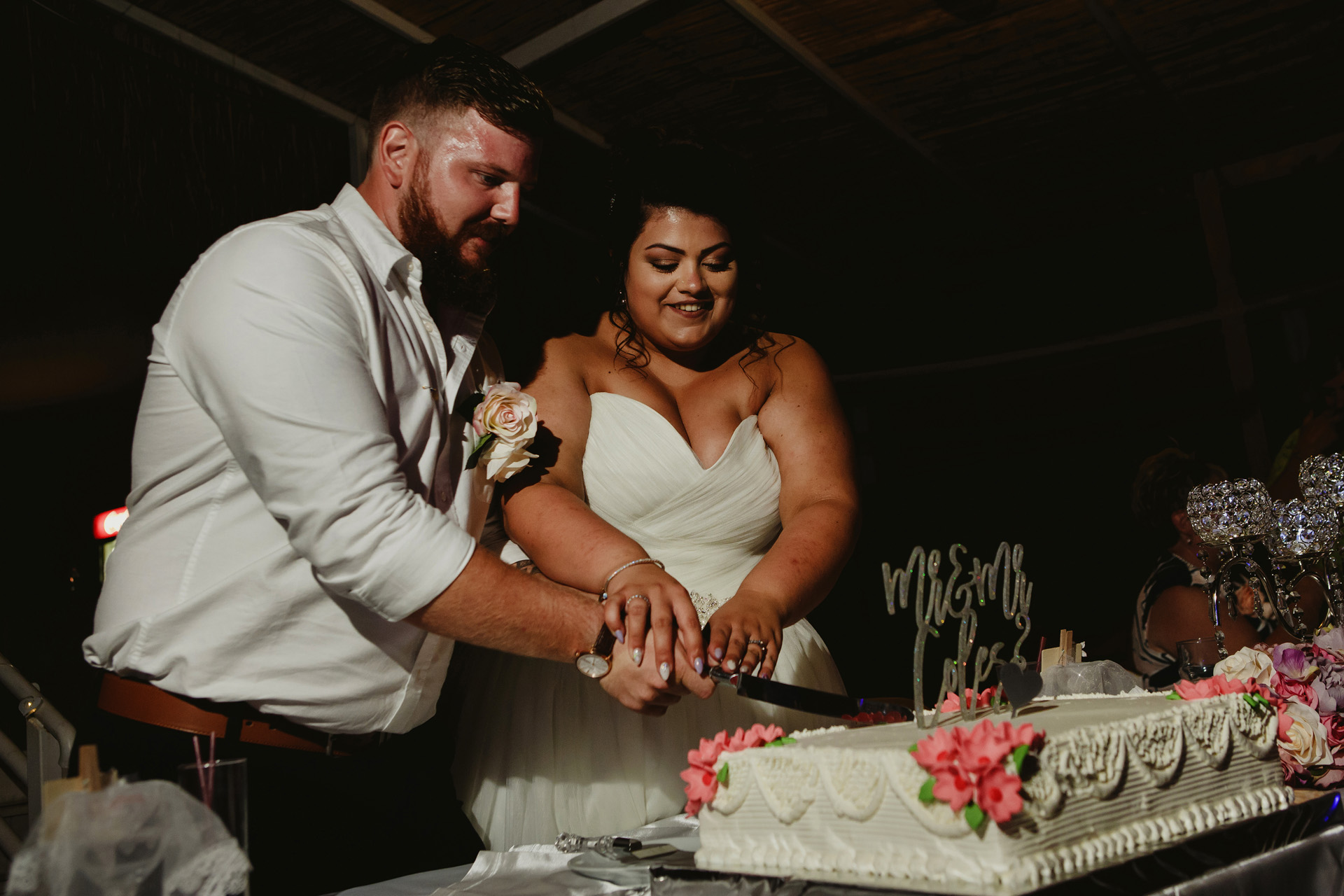 Elopement Photos from Billy's Beach, Fethiye, Mugla, Turkey | cake cutting ceremony was held at the end of the dinner