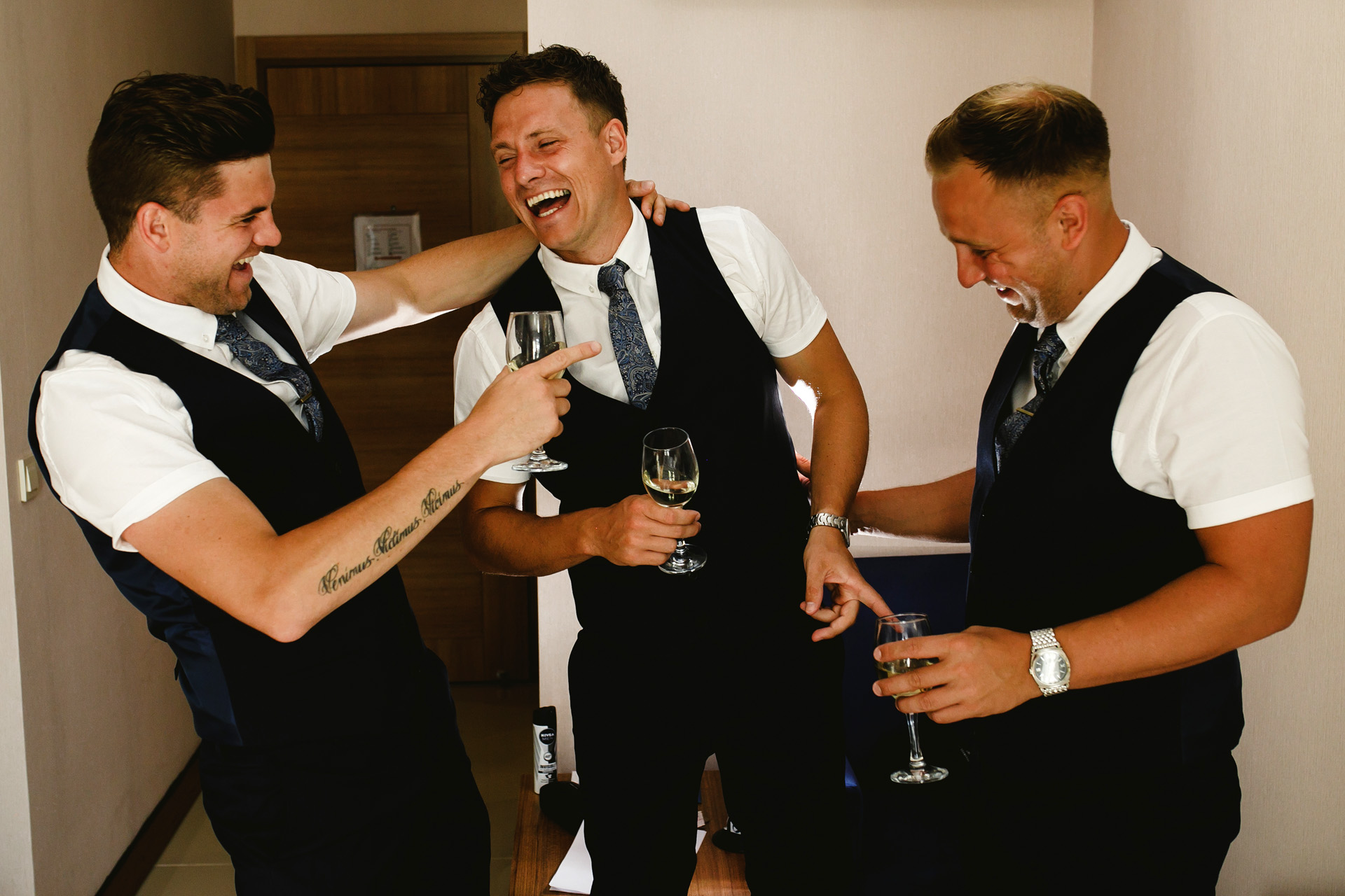 Turkey Elopement Getting Ready Groom Photo | with two of his friends, there was a small toast pre-ceremony