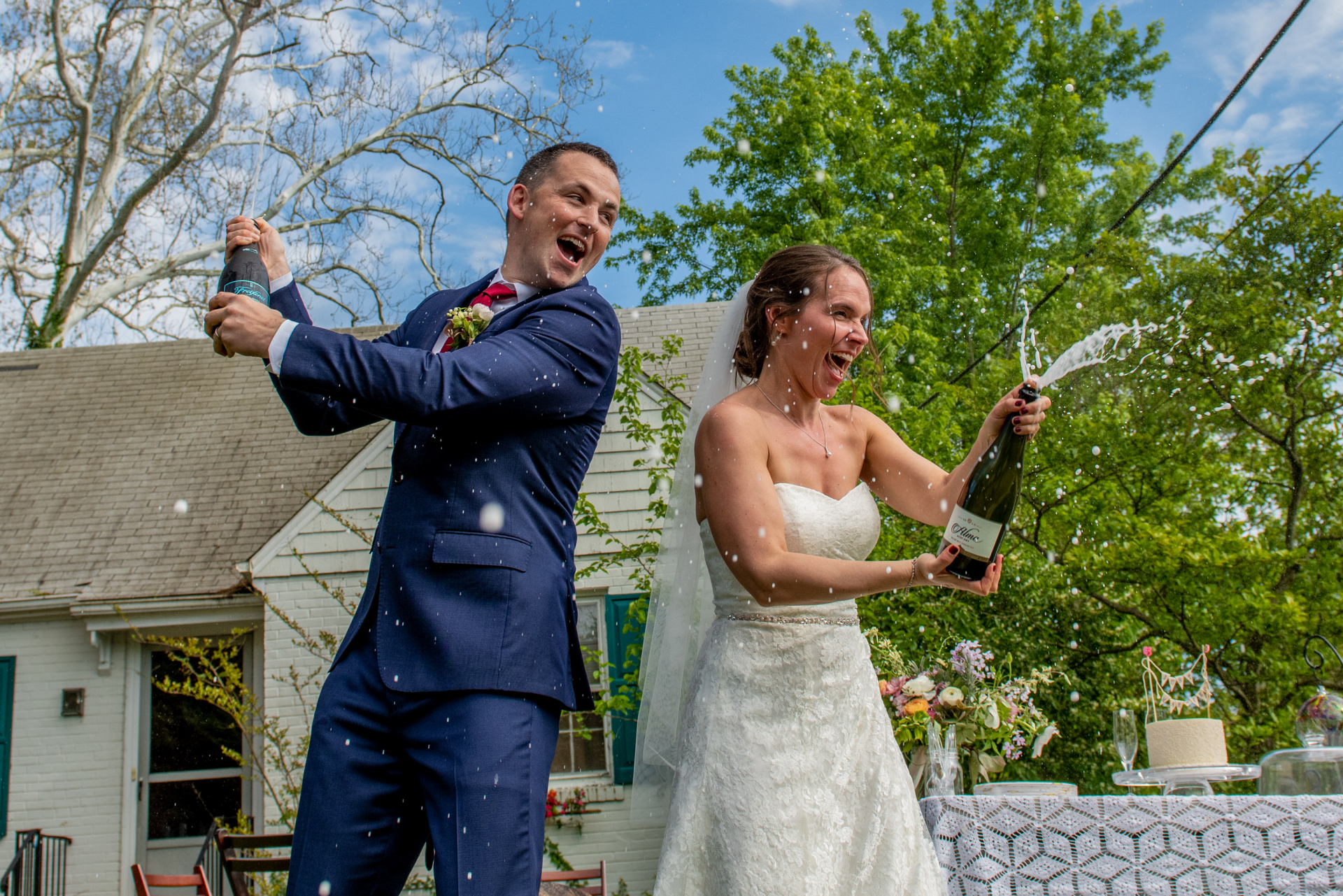 Outdoor Maryland Elopement Photos | After the ceremony the bride and groom invited their neighbors to share in some delicious cake and champagne