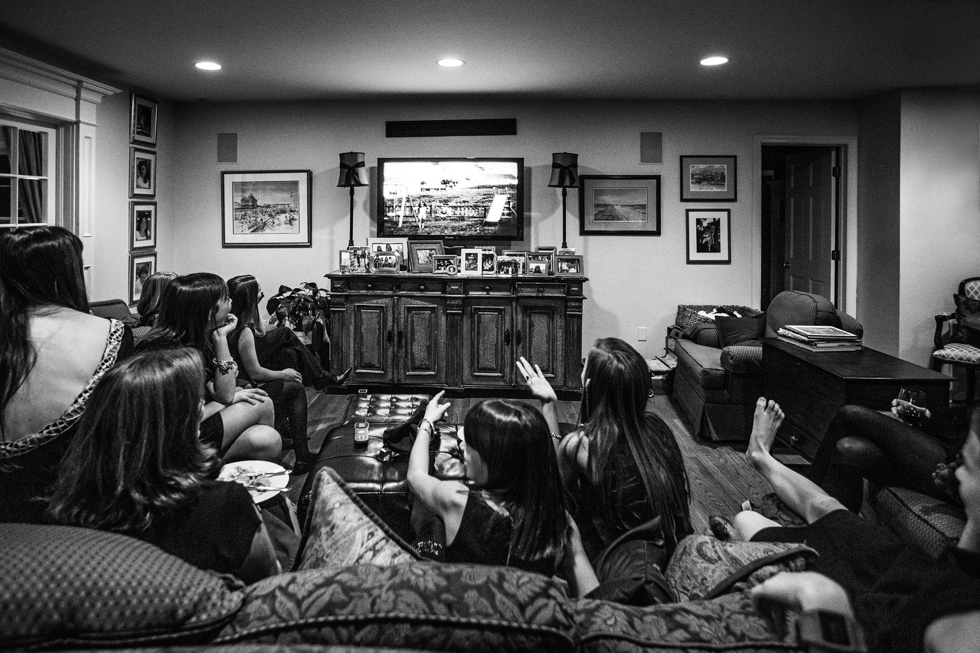 Images de mariage au NJ | les vieux films à la maison sont le divertissement