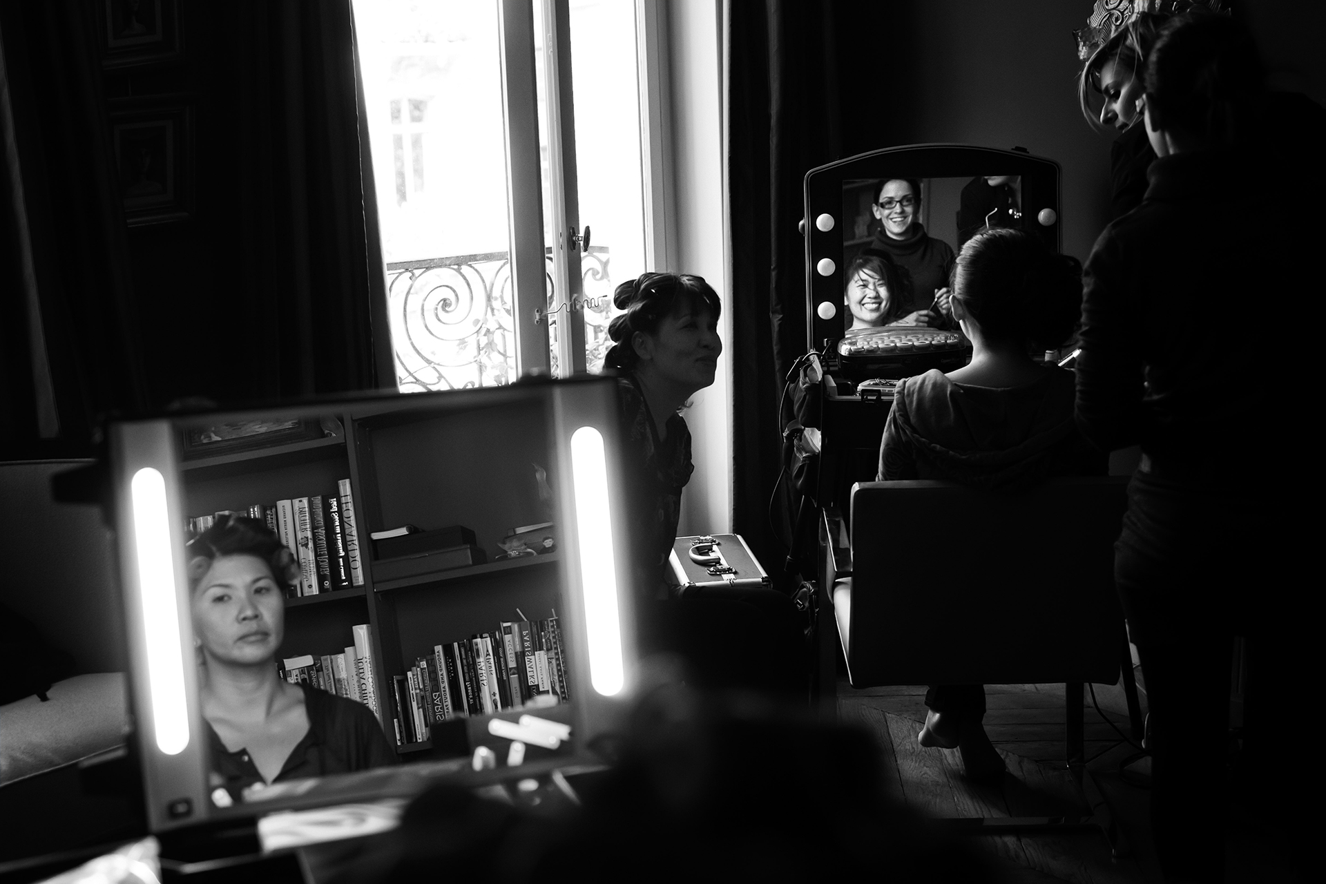 Musée Rodin, Paris Elopement Photos | the bride gets hair and makeup ready before the wedding