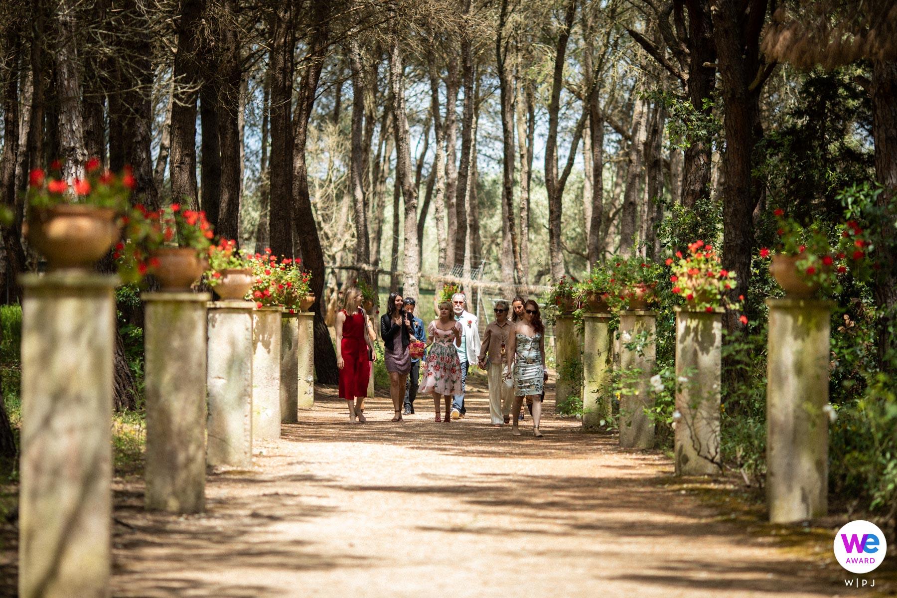 Jardin Botanique La Cutura, Lecce, Pouilles Elopement Photo | les jeunes mariés, arrivés au lieu de la cérémonie de mariage