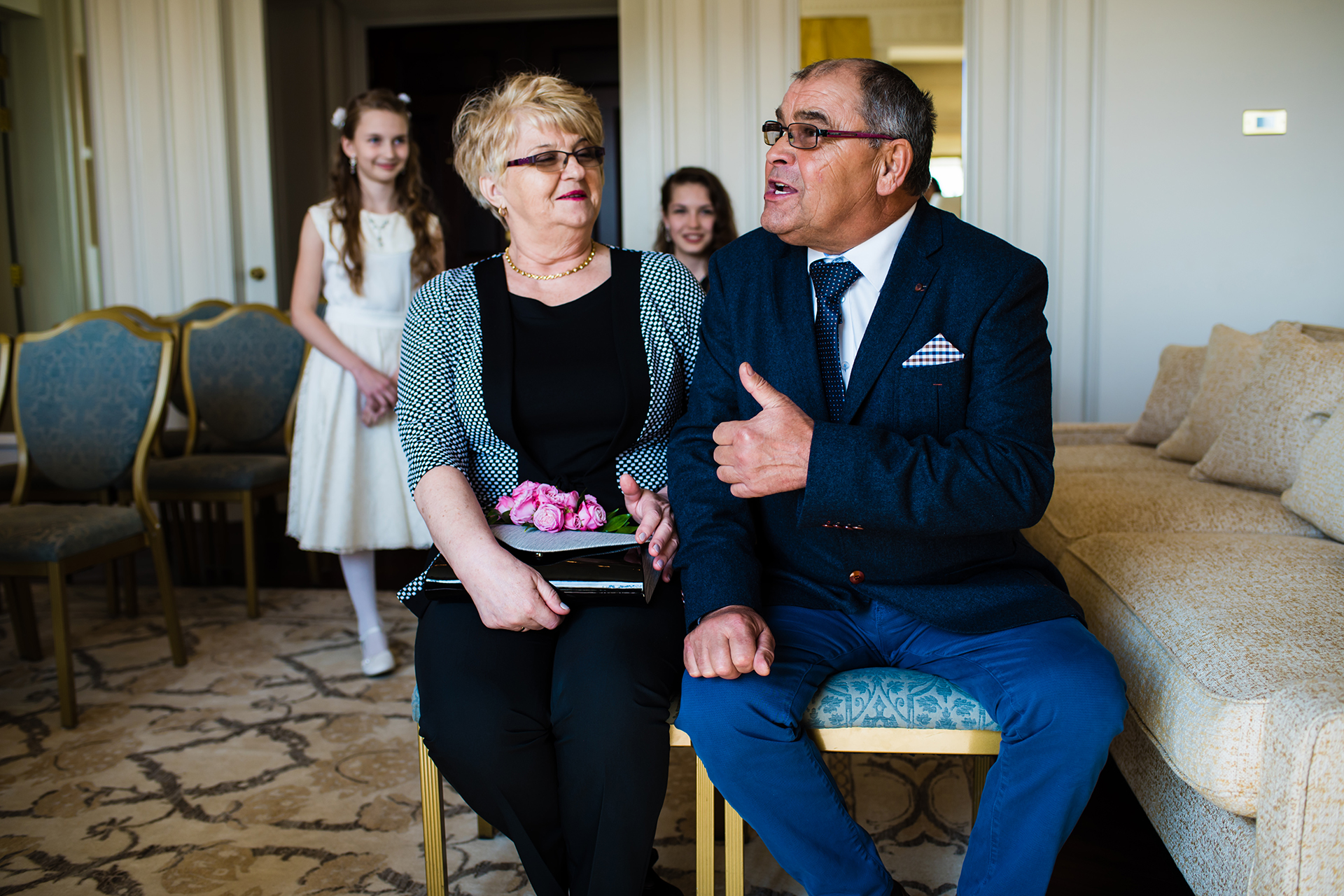 London Elopement Ceremony Pictures | parents are seated and waiting
