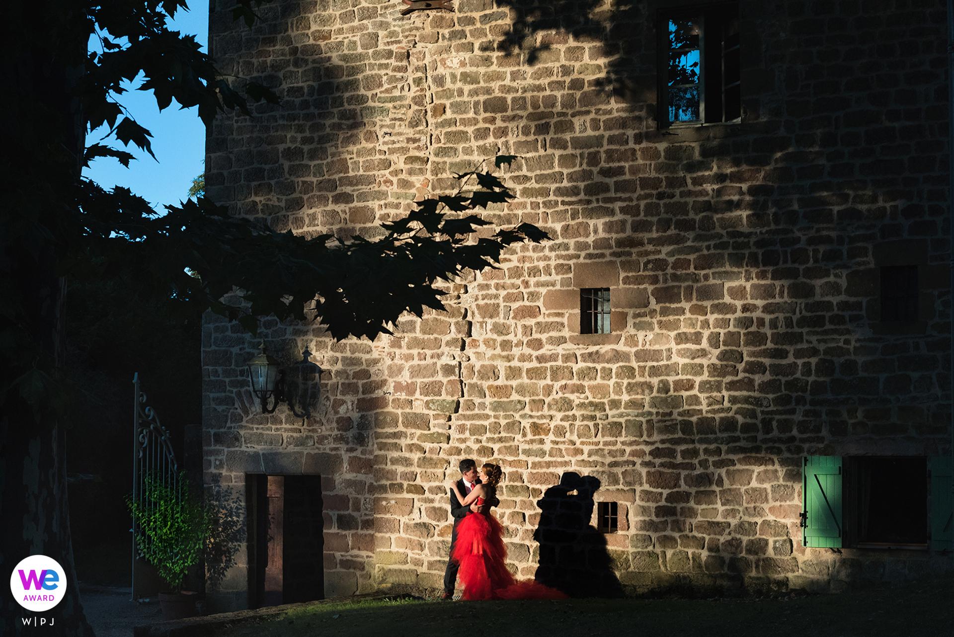 Château Labistoul, Cordes-sur-Ciel, France Elopement Photography | La cérémonie civile s'est déroulée dans le magnifique hôtel de ville de Toulouse