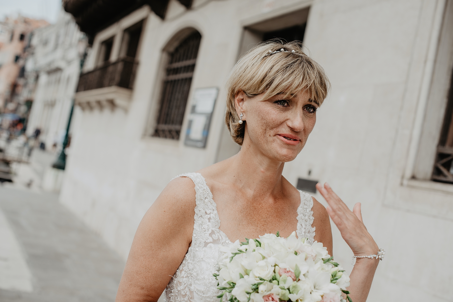Palazzo Cavalli, Venezia, Italy Elopement Photos | The beautiful bride is excited about her wedding