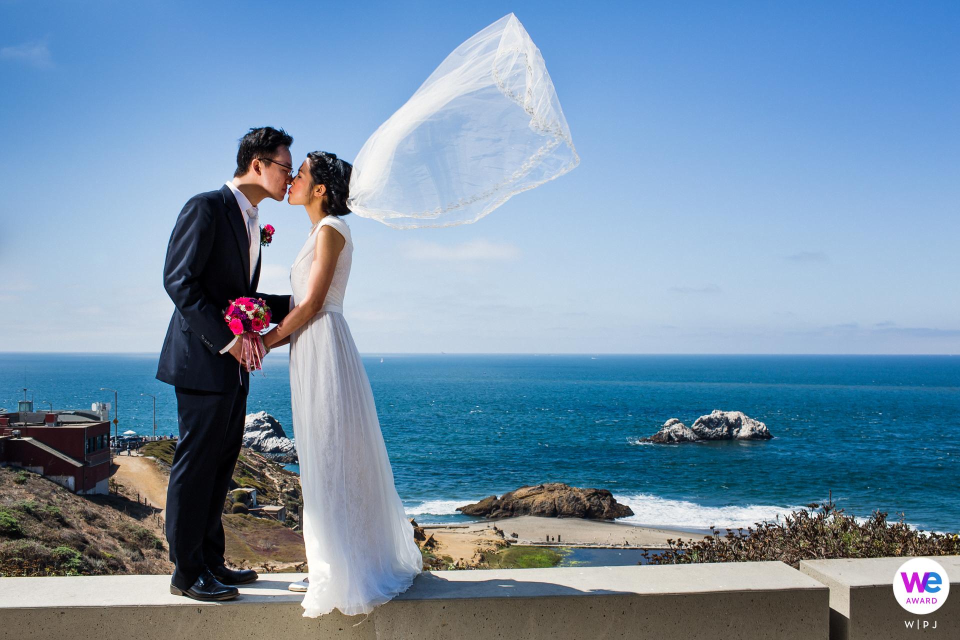 Sutro Heights Park, San Francisco Elopement Paar Porträt | Das Paar entschied sich für eine kleine Hochzeitszeremonie