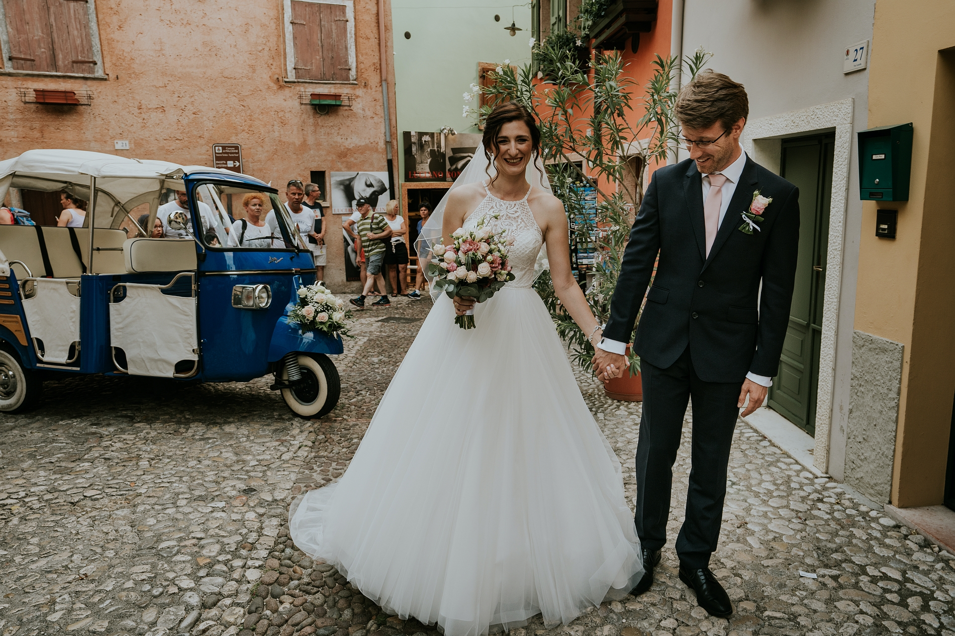 Scaliger Castle, Malcesine - Italy Elopement Picture | The bride and groom have arrived at the foot of the Scaliger Castle
