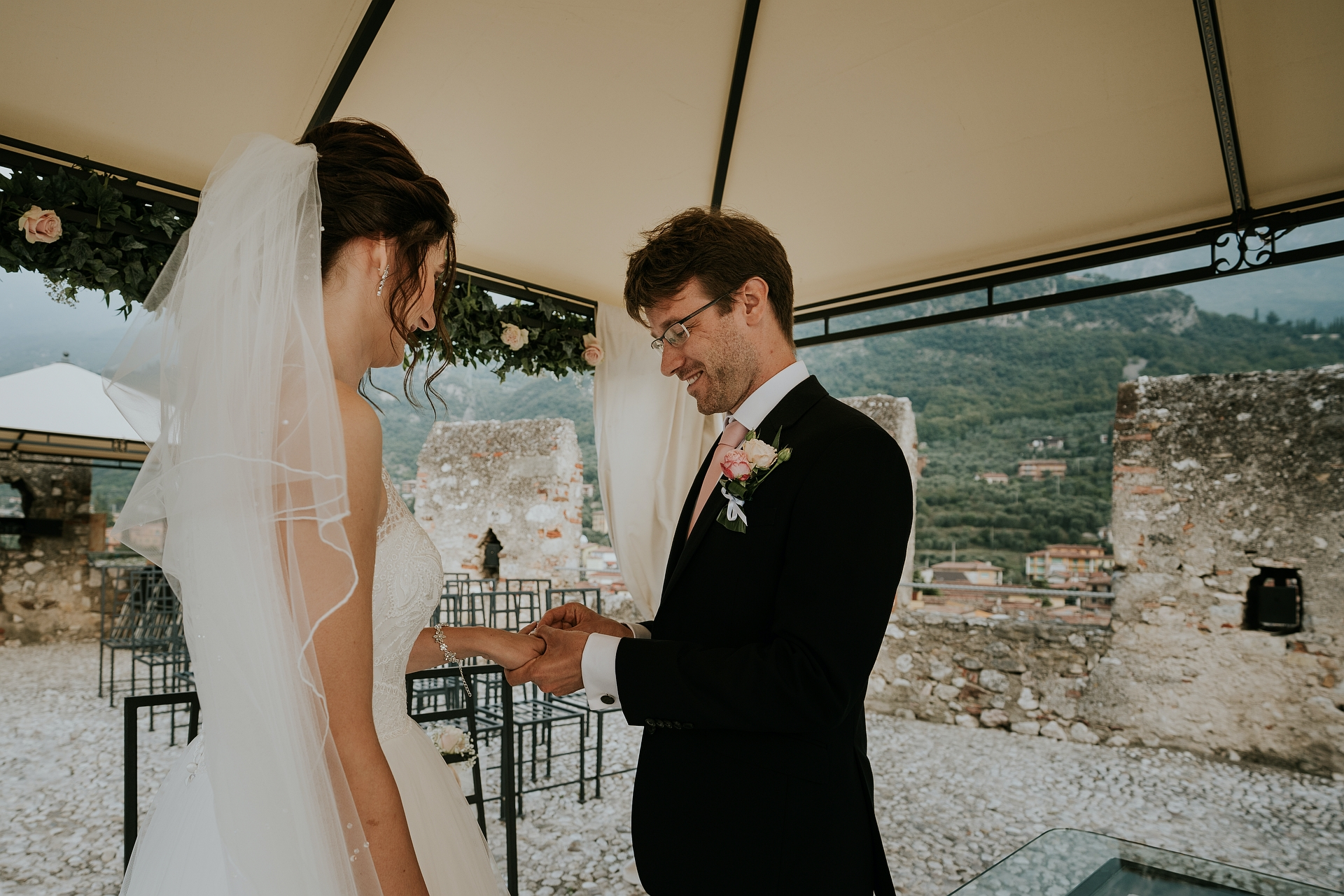 Terrazza Rivellino, Castle - Italy Elopement Ceremony Pictures | The exchange of rings