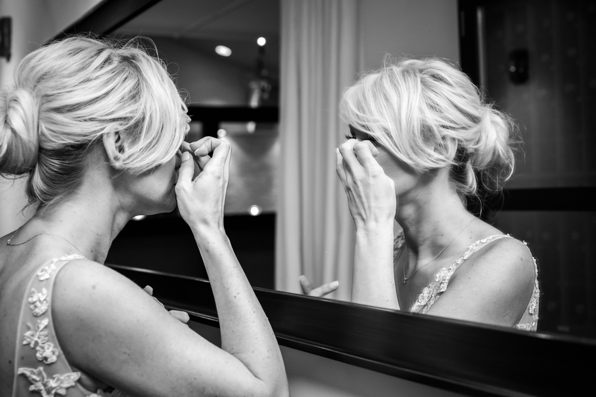 Toronto, Canada Elopement Bridal Picture | The bride looks one last time in the mirror